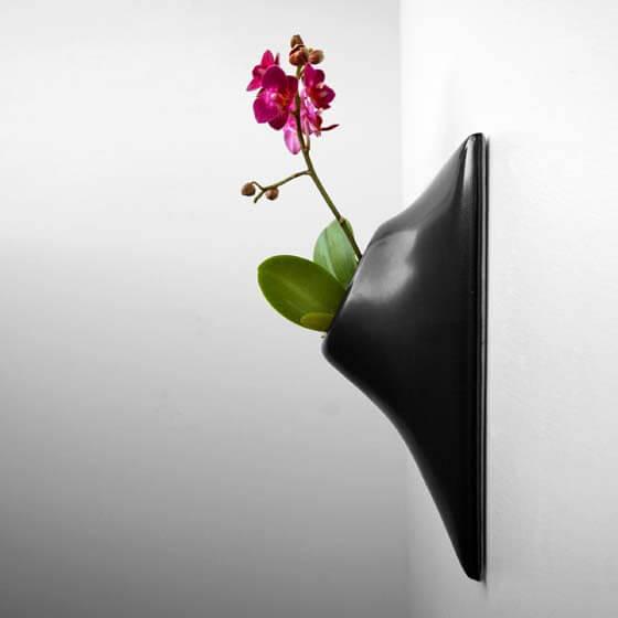 balck ceramic wall planter